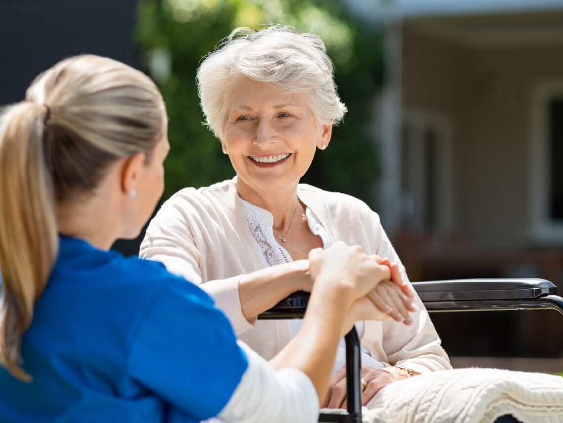 How to Find the Right Senior Caregiver