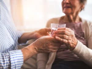 How to Help Dry Mouth in Elderly
