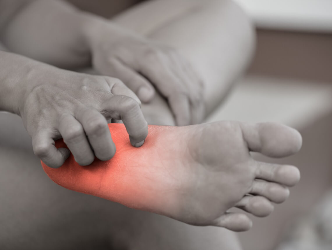 How to Help Seniors Cope with Peripheral Neuropathy
