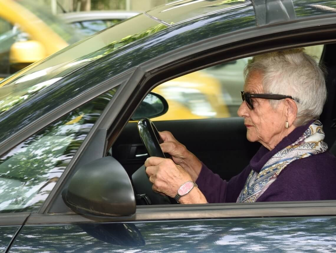 How to Tell If It's Time for Your Parent to Stop Driving